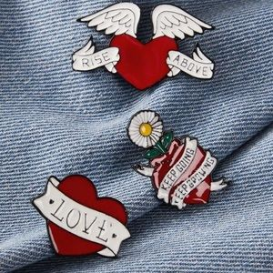 NWT 3 Pieces Brandy Melville Heart Pin Set